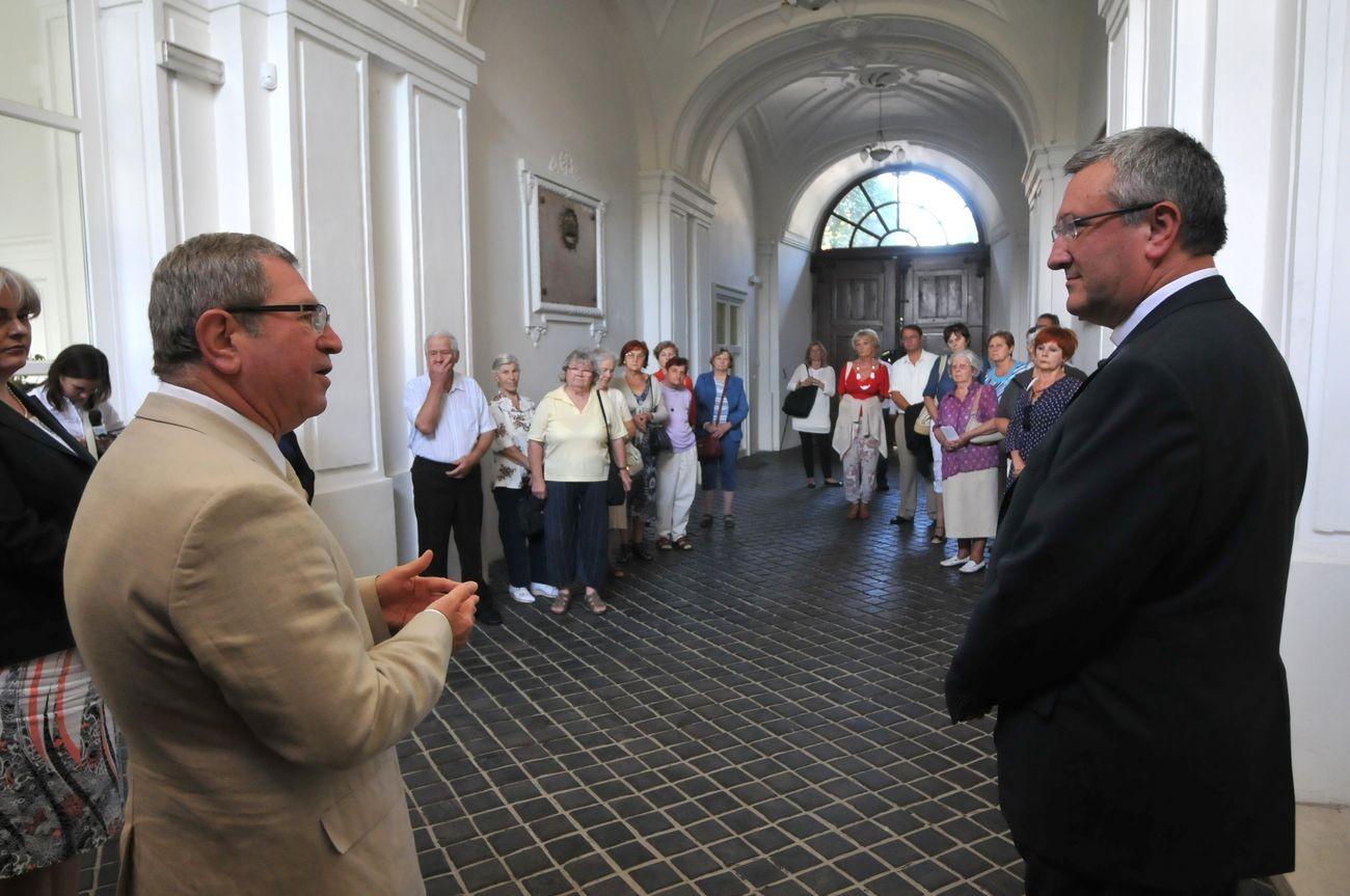 Dr. Puskás Tivadar Szombathely Megyei Jogú Város polgármestere és dr. Veres  András megyéspüspök fogadta az aktív időseknek szervezett programsorozatban  a ... ba91873931