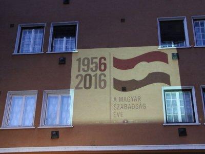 eljen a magyar übersetzung